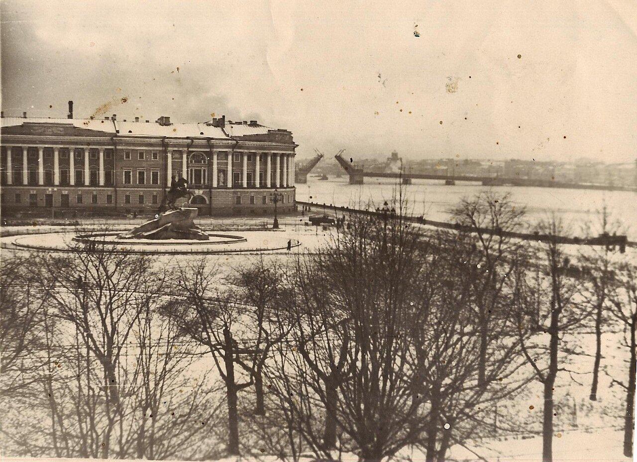 Площадь Декабристов.1948г.