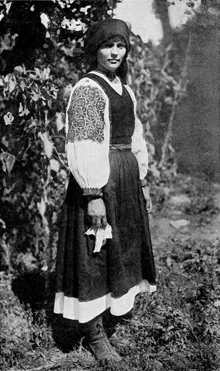 Подкарпатская Русь. Воловое - замужняя крестьянка.1925