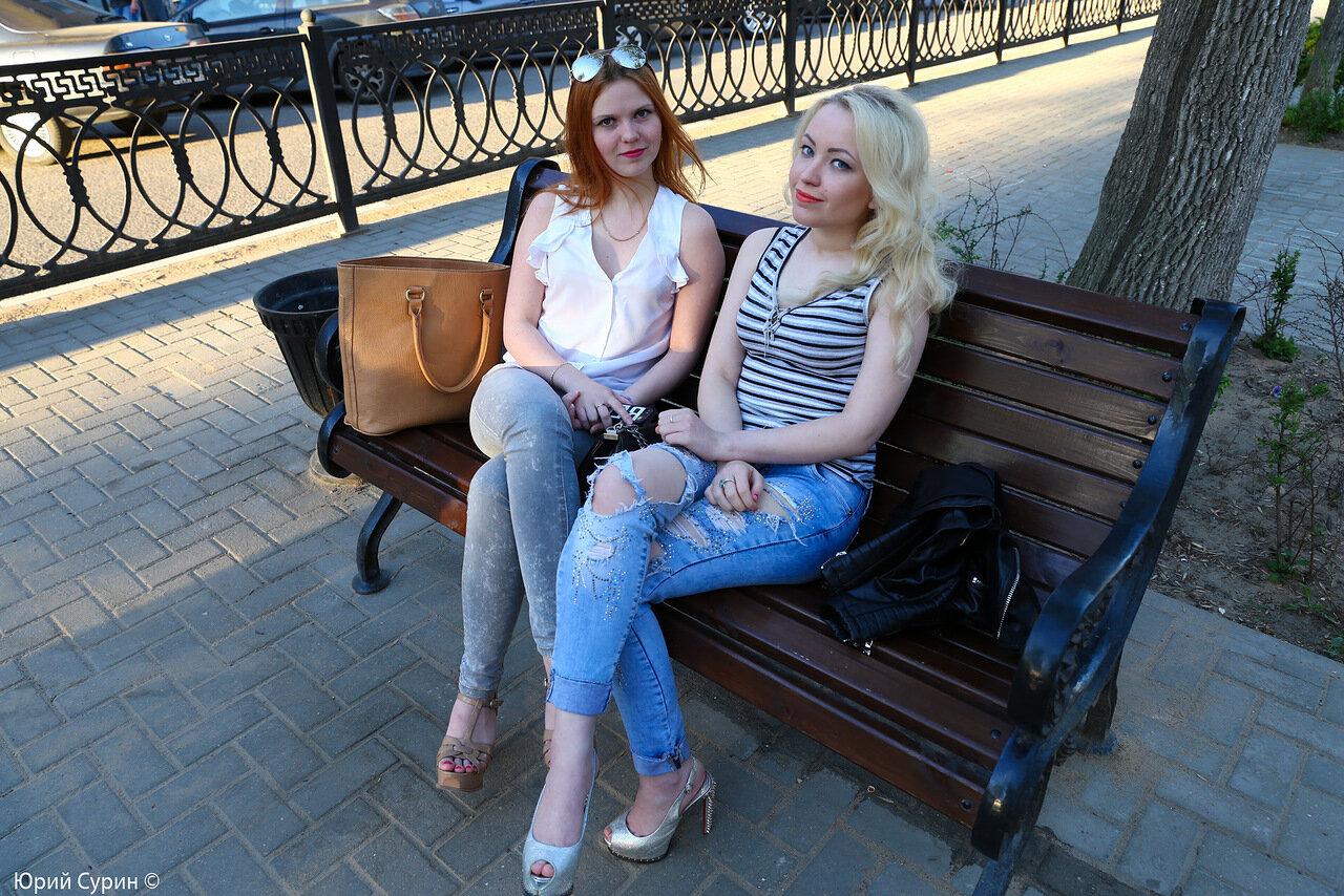 Красотки на улицах видео дам бальзаковского