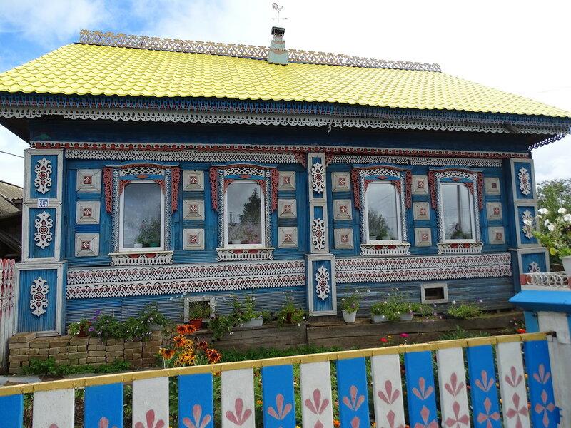 Дом в деревне Беляевка.