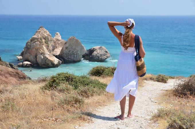 2. Малия, Греция Жаркая любовь на расстоянии одного непродолжительного авиаперелёта? Может быть! У д