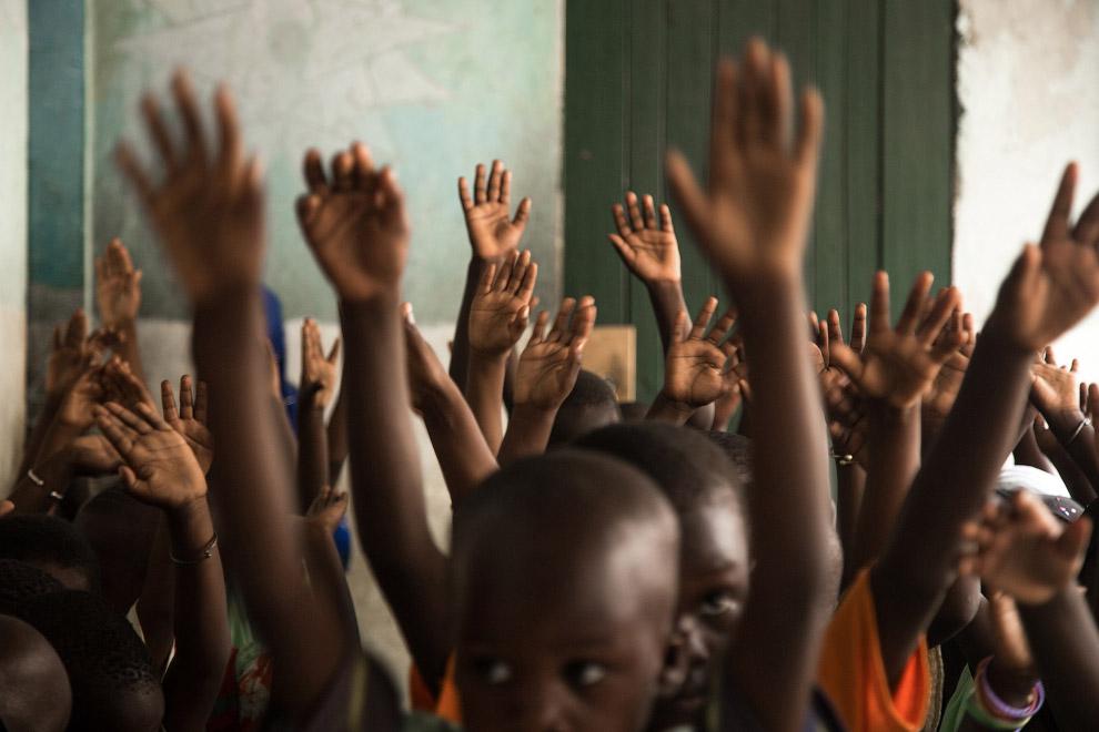 3. Просмотр телевизора в образовательном учреждении. Как вам обстановка в школе?
