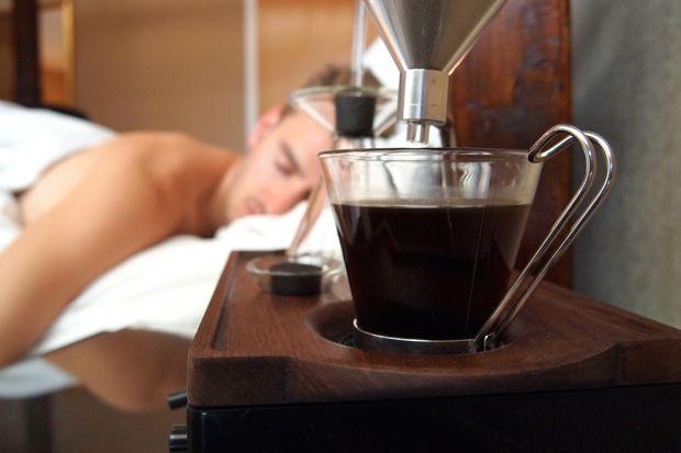 Будильник-кофемашина Barisieur Фраза «кофе в постель» явно вдохновила британского дизайнера Джоша Ре