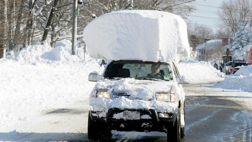 6. Штат Нью-Йорк, США 2014 — 150 сантиметров снега Аномально сильный снегопад обрушился на американс