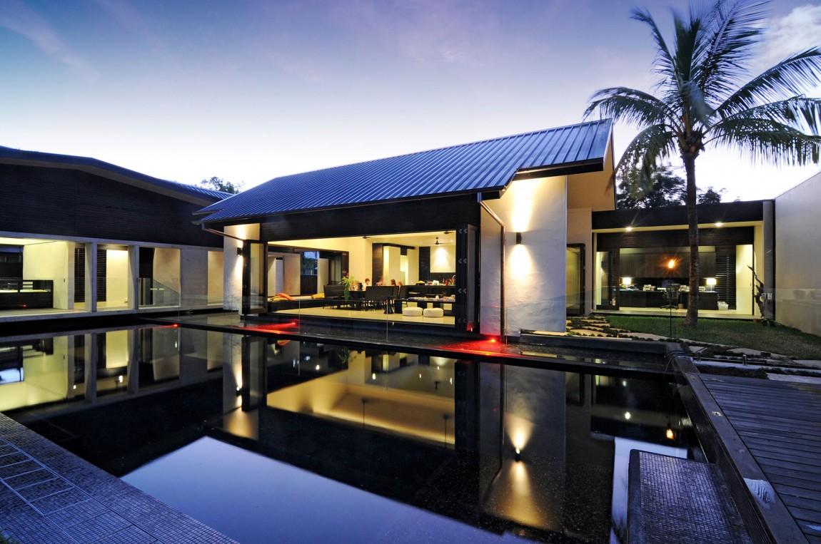 Дом Dune House спроектирован архитекторами Wolveridge Architects в Квинсленде, Австралия. Контраст т