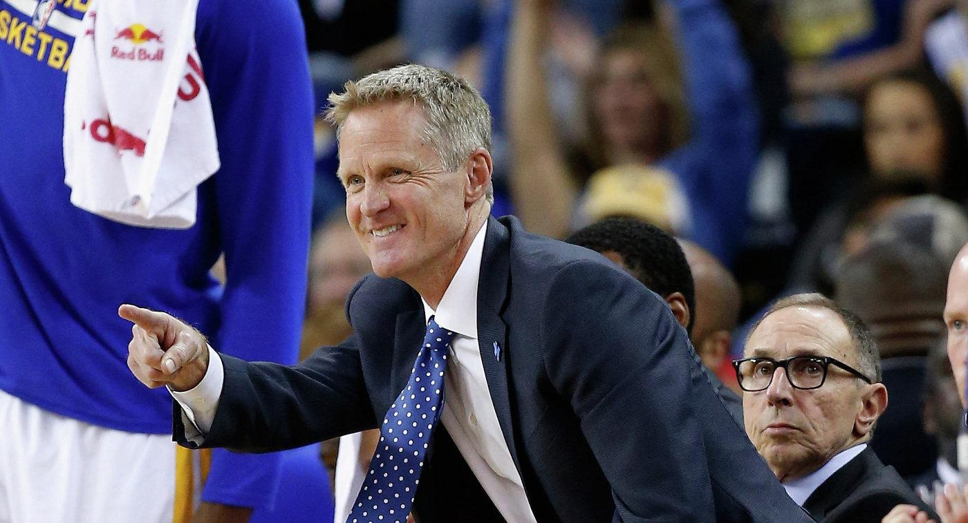 «Голден Стэйт» повторил рекорд НБА поколичеству побед в постоянном сезоне
