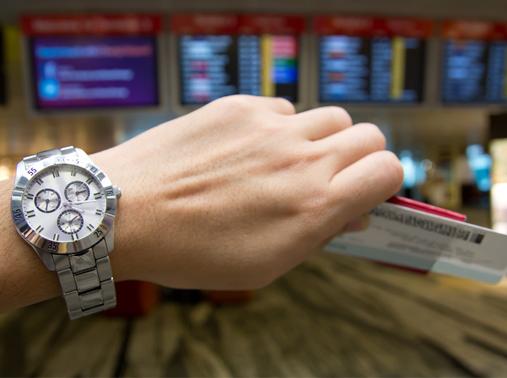 Десятки рейсов задерживаются в столичных аэропортах из-за погоды