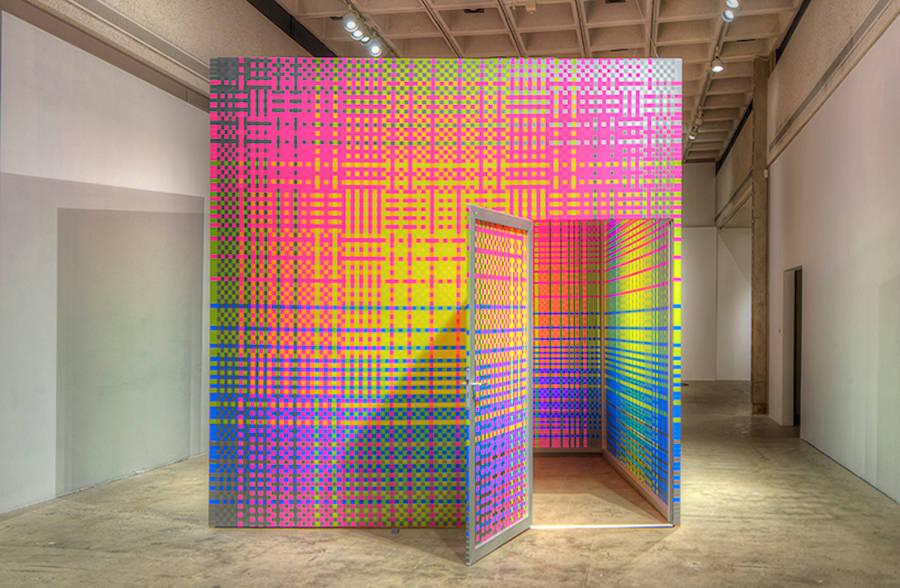 Immersive Vibrant Rainbow Cube Installation (8 pics)
