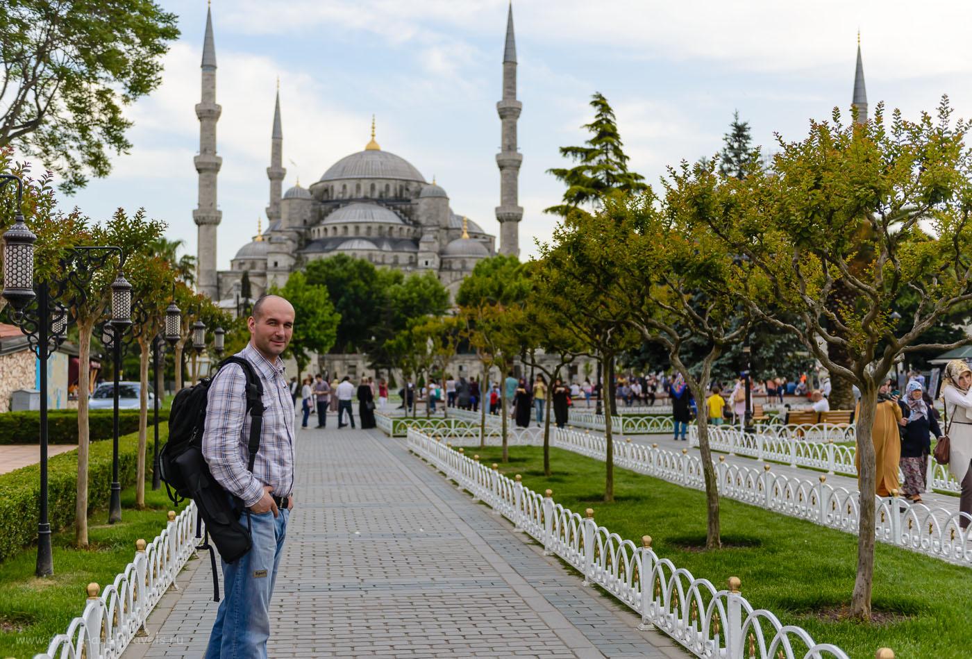 Фото 1. Во все путешествия я беру с собой фоторюкзак и штатив. Данный кадр снят в Стамбуле во время поездки по Турции на машине весной 2016.