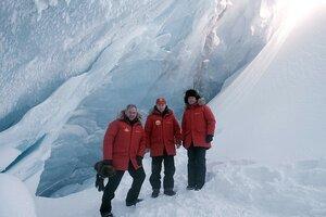 Путин, Медведев, Шойгу в Арктике.jpg