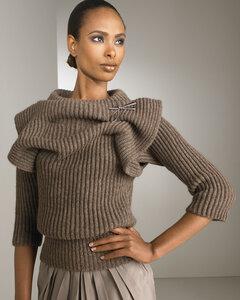 Пуловер от Valentino: секреты изысканности
