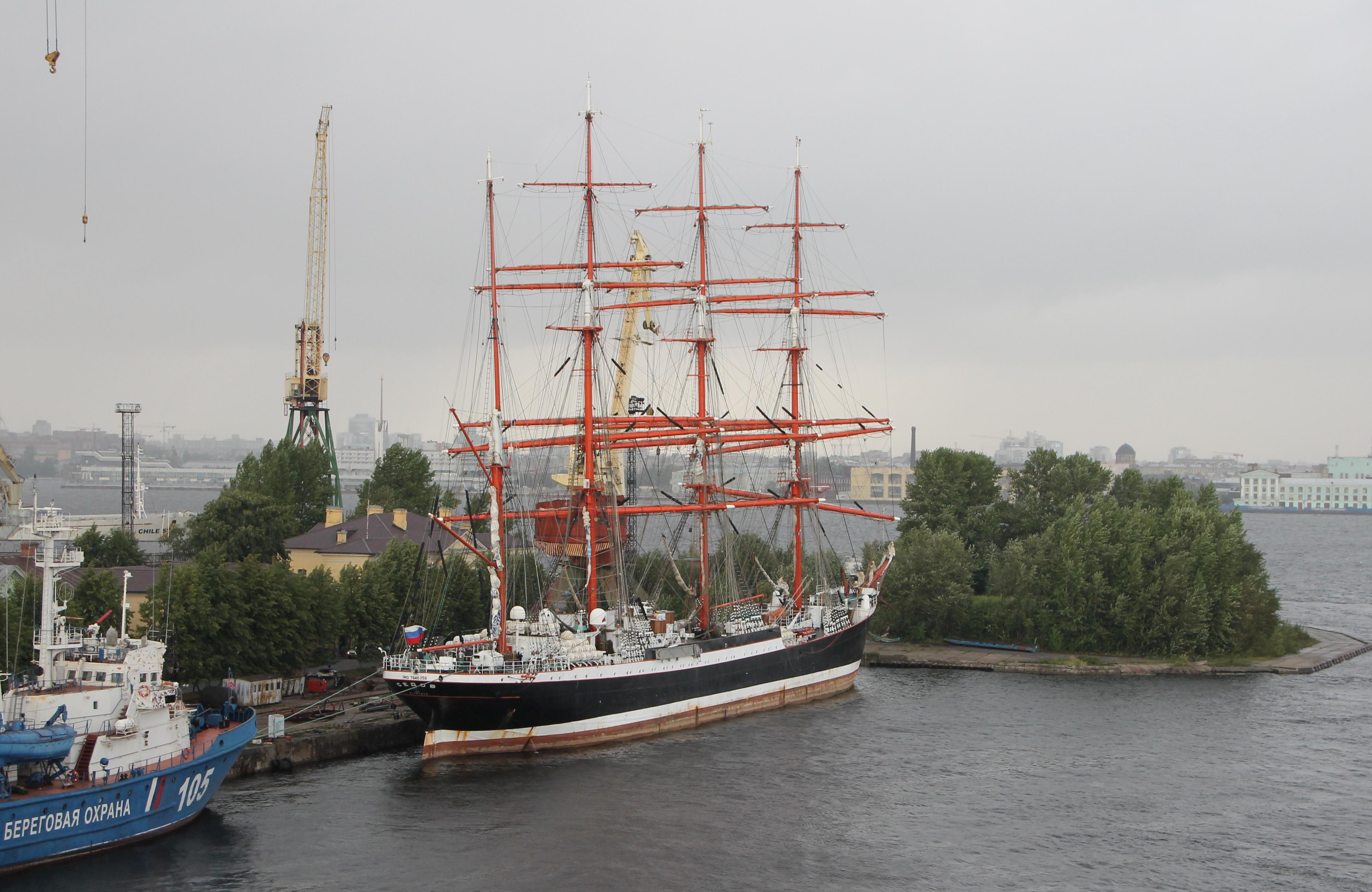 Главгосэкспертиза россии согласовала проект строительства перегрузочного комплекса в большом порту санкт-петербурга