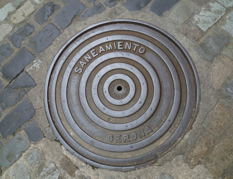 Люк в Жироне, Испания (Hatch in Girona, Spain)
