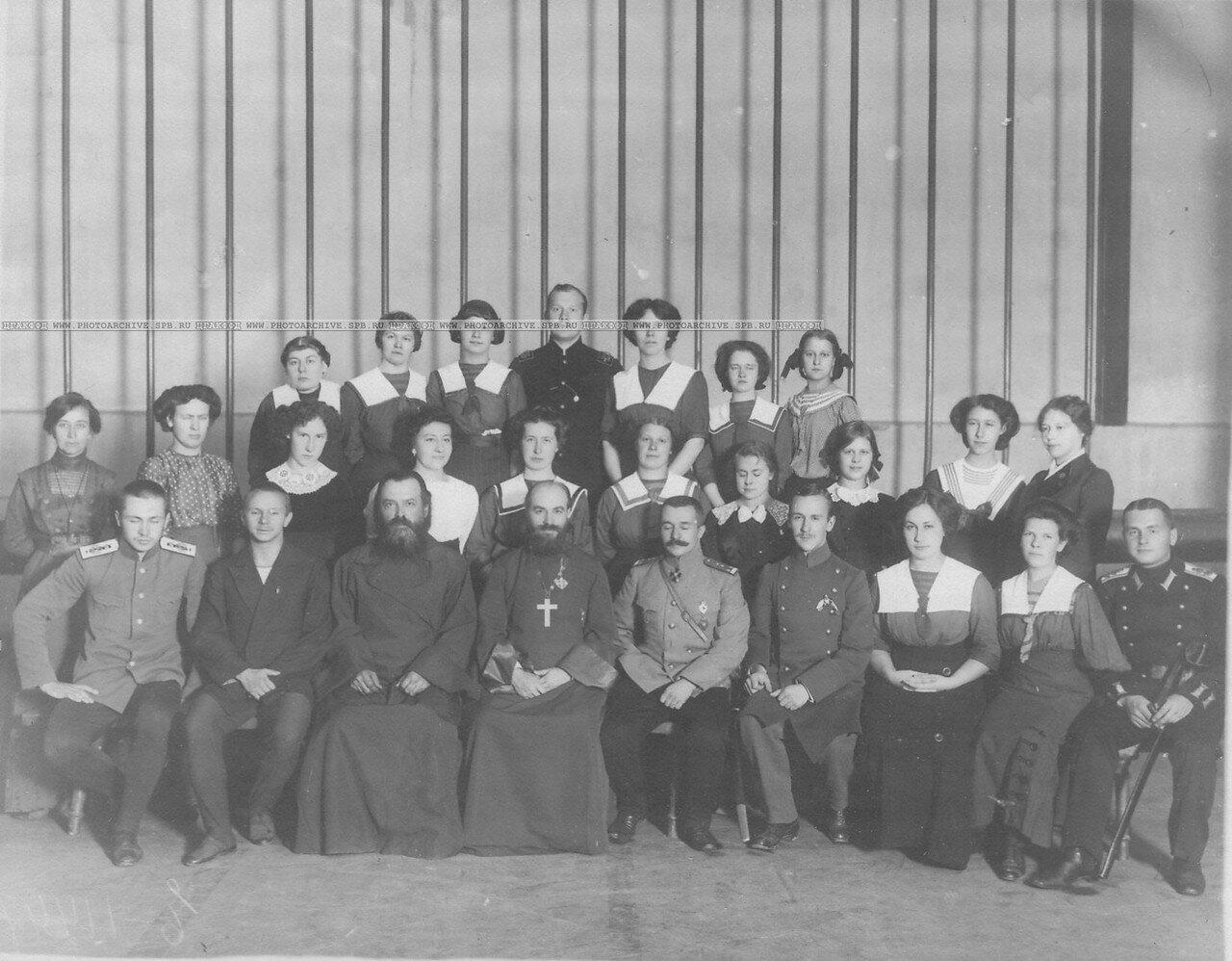21. Группа членов Общества телесного воспитания Богатырь. 1912