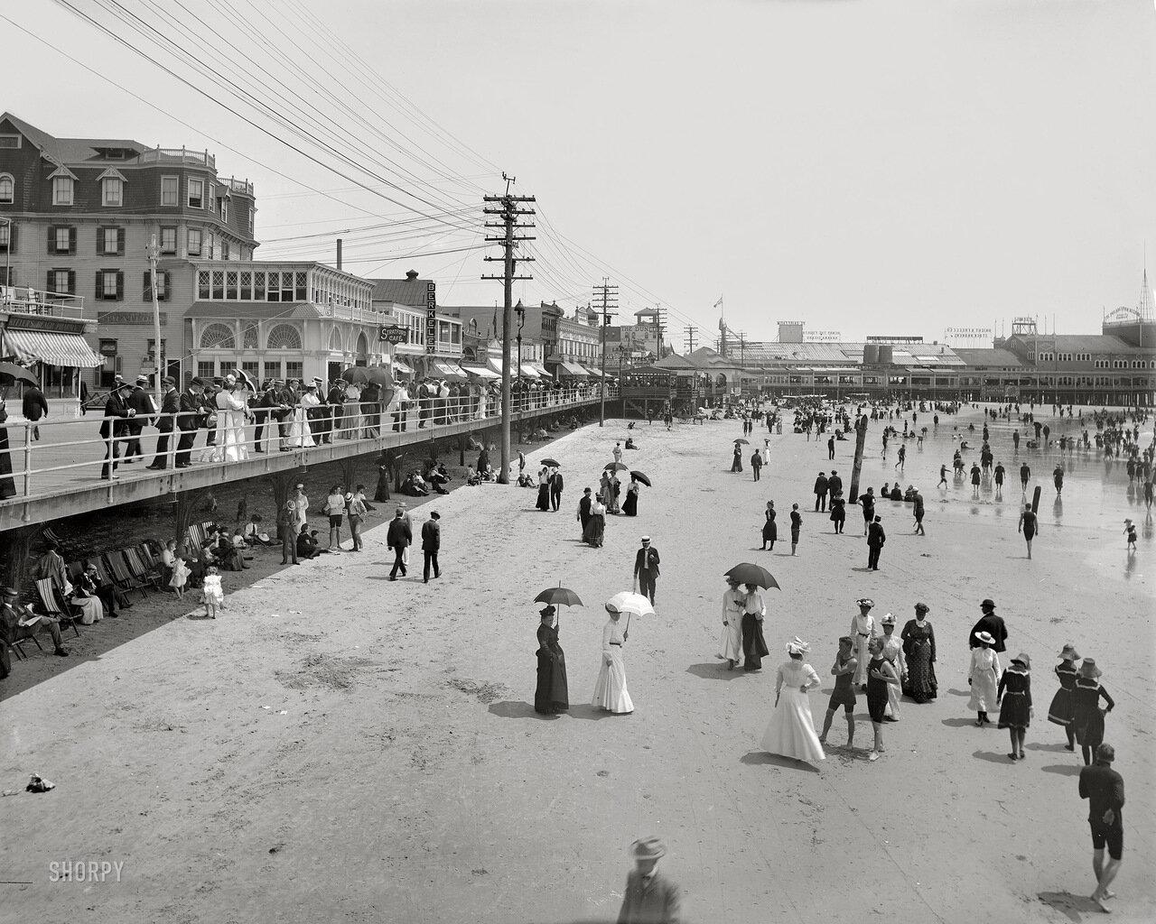 1906. Променад на пляже