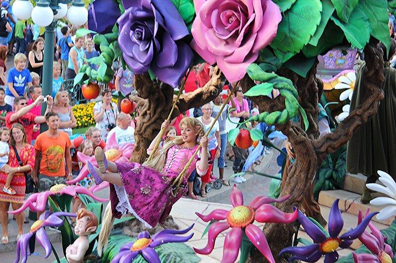 Парад в Диснейленде!
