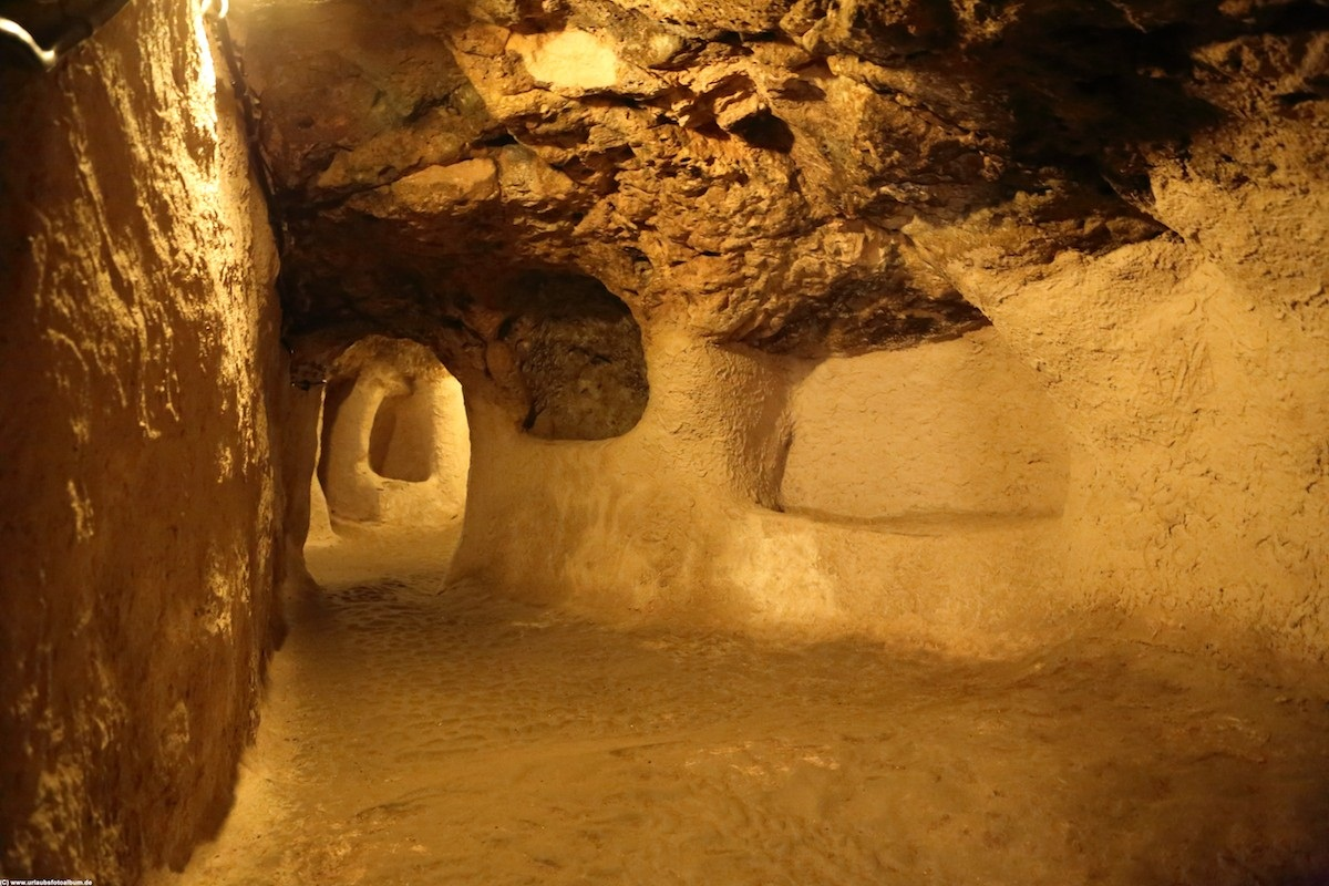 вся древние подземные пещеры фото есть