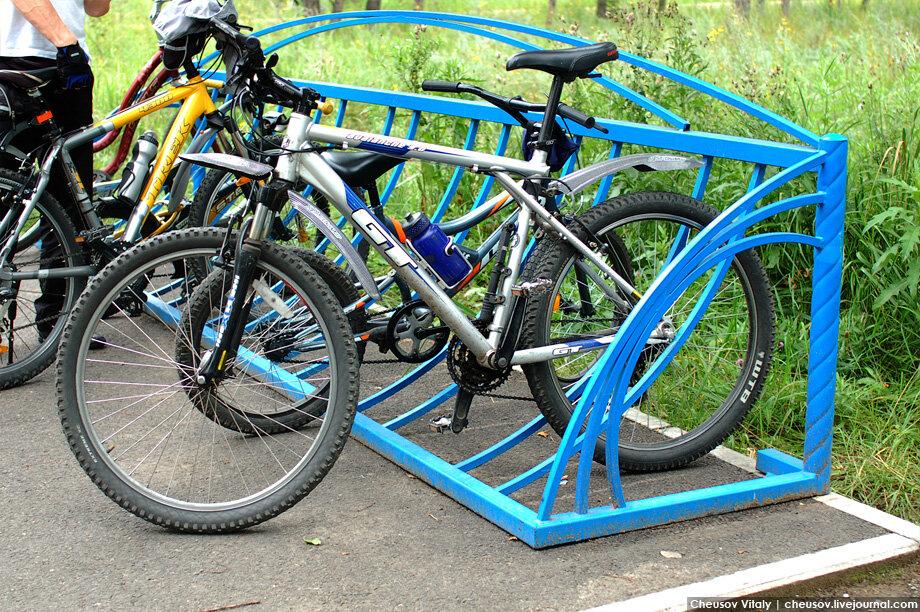 Велосипедные стоянки фото историю