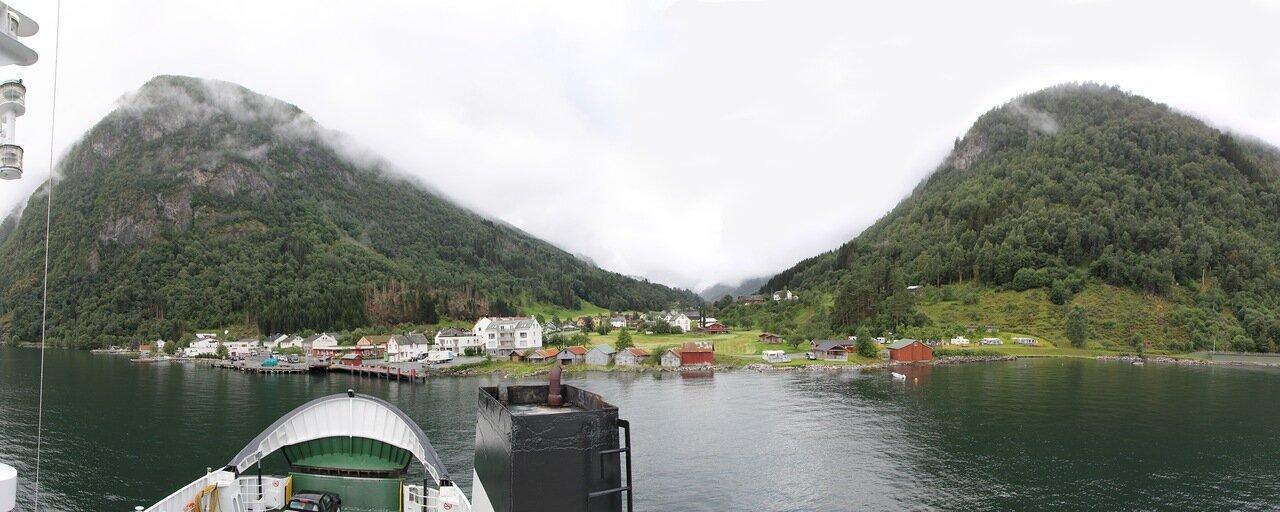 Norway, Nordalsfjorden, Ferry. Eidsdal. Эйтсдал. Норвегия, Нордалсфьорден, паром, panorama