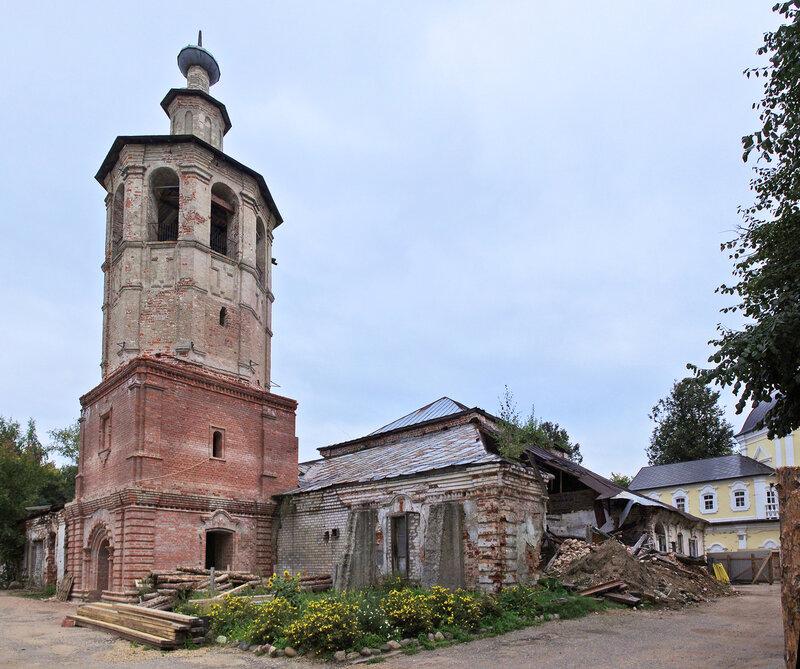 Храм Смоленской иконы Божией Матери с Колокольней