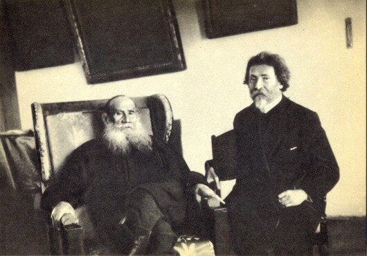 1908 год, Ясная Поляна. Л.Н.Толстой и И.Е.Репин. Фото С.А.Толстой.