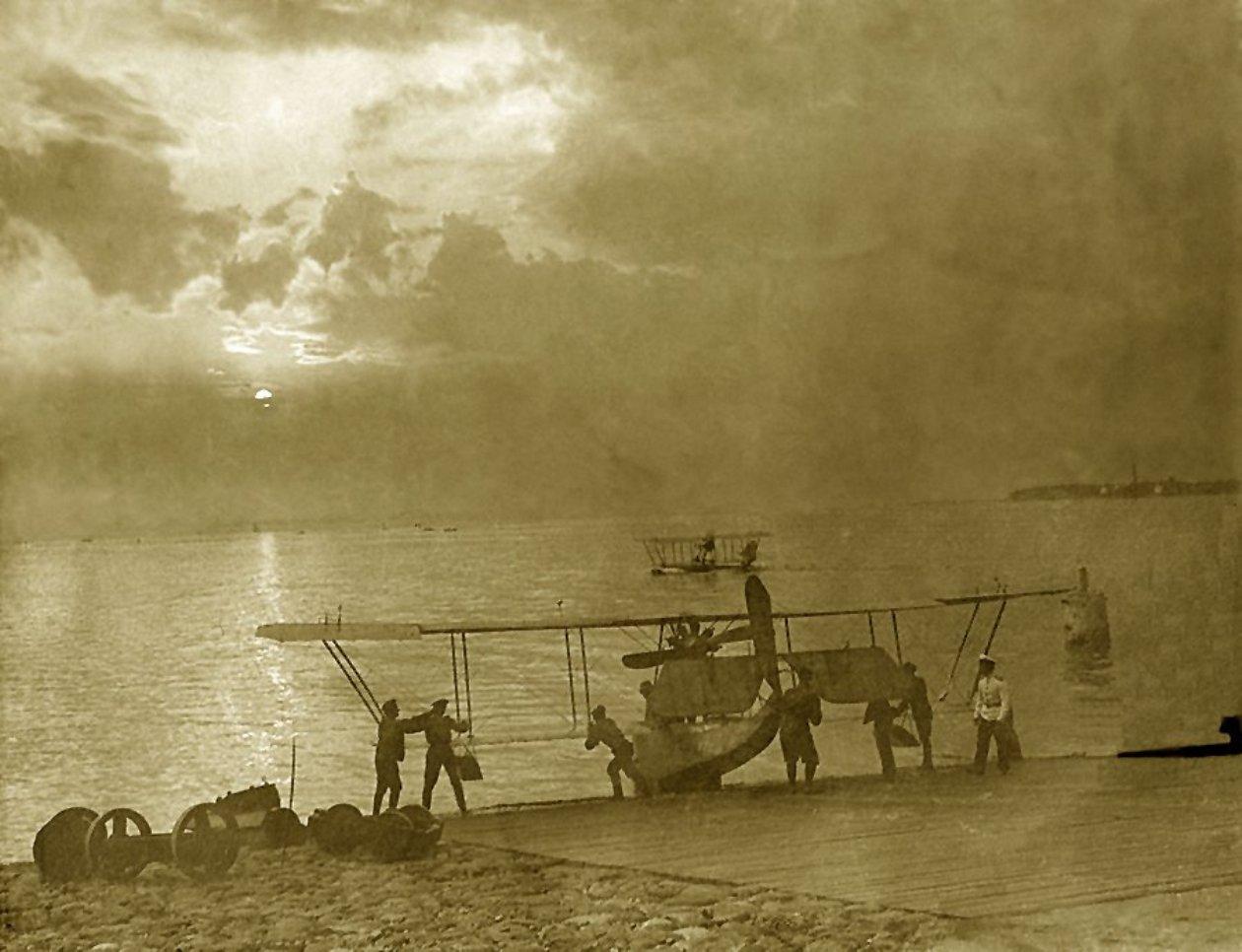 Бакинская Офицерская Школа Морской Авиации, 1916-1917 гг..jpg