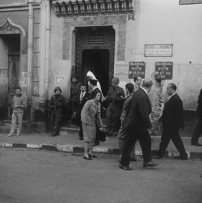 Bureau de vote dans la casbah
