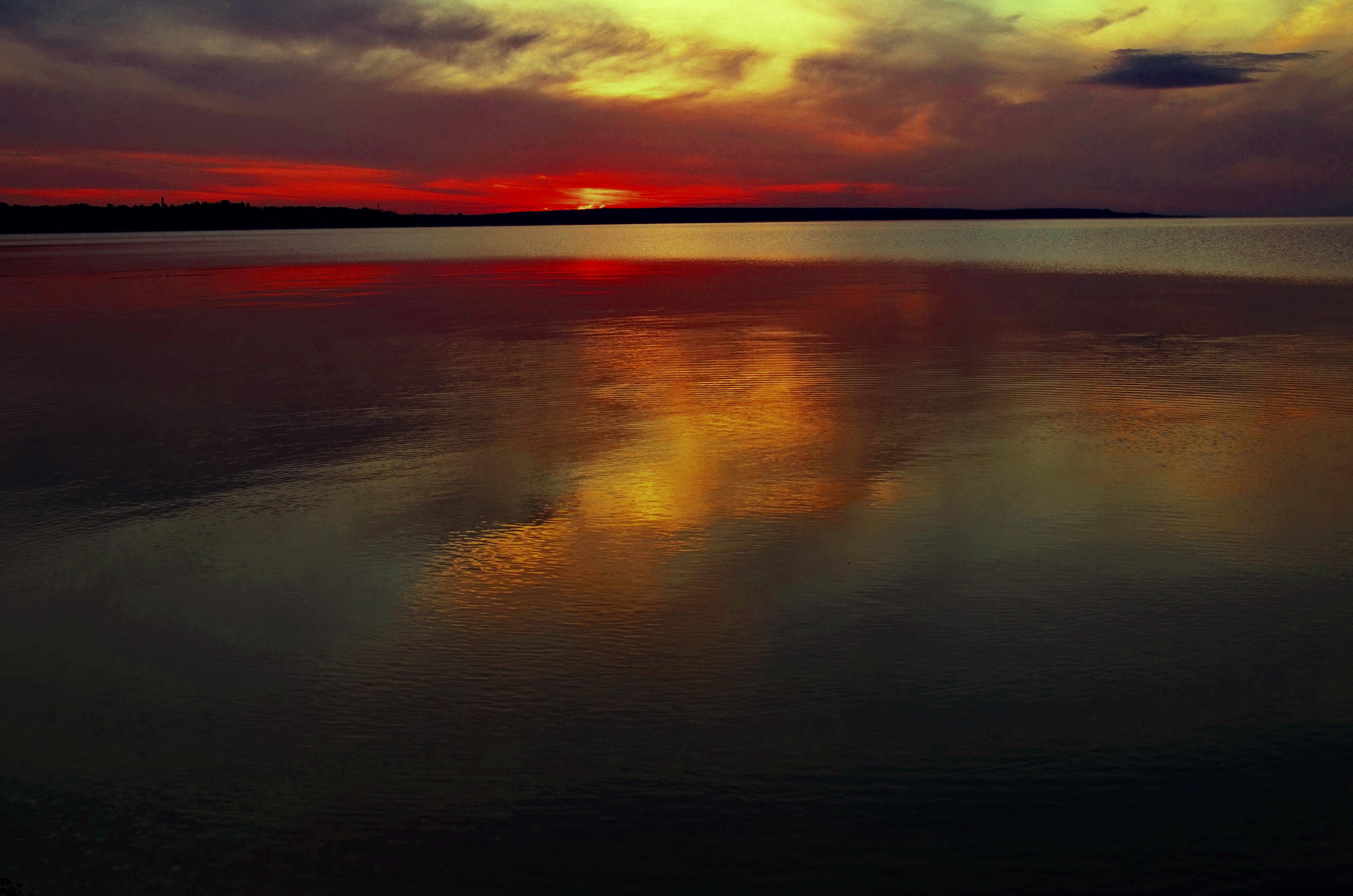 Płomienisty zachód słońca [4928x3264]