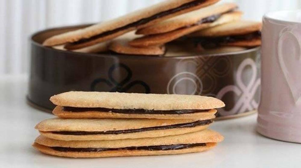 Миланское печенье (Милан, Италия) Традиционная выпечка, маленькие печенья, которые обычно подаются в