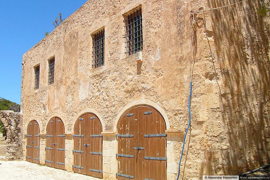 Здание внутри крепости Фортецца в Ретимно