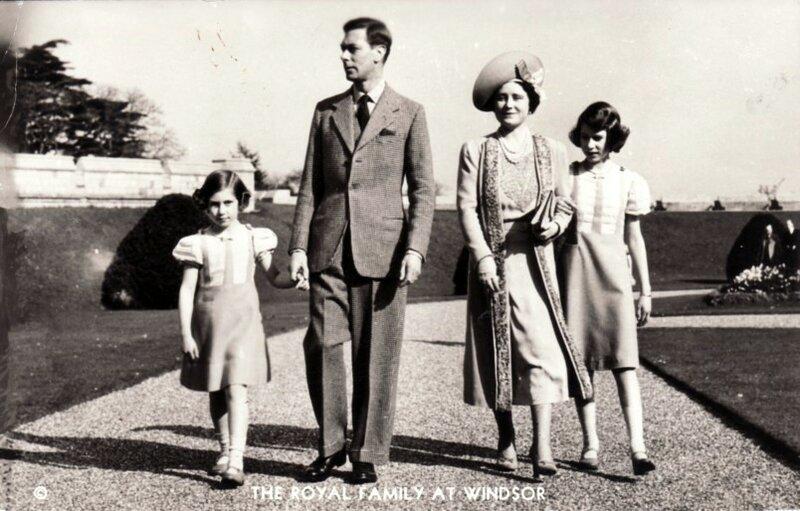Gambar Ratu Elizabeth Dari Kecil Hingga Berkahwin 50pics