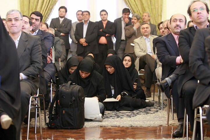 Журналистки в Иране