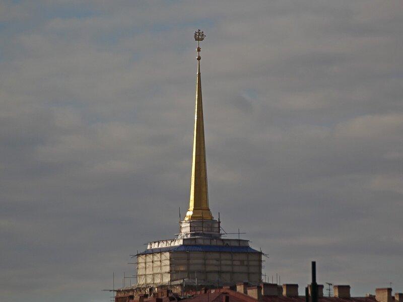 Крыши Петербурга: шпиль адмиралтейства с корабликом Img_7985 Img_7985