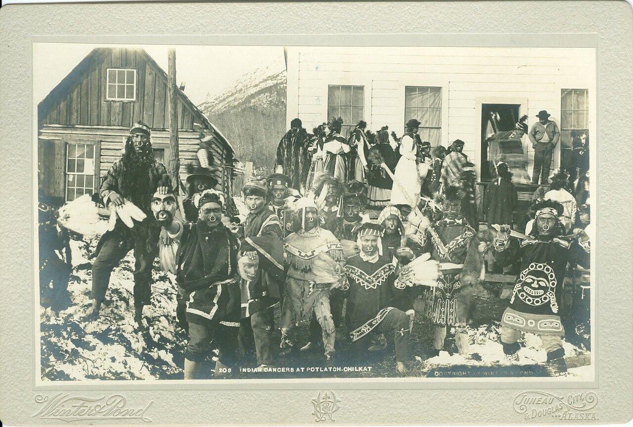 1895. Тлинкиты-танцоры в Клакване