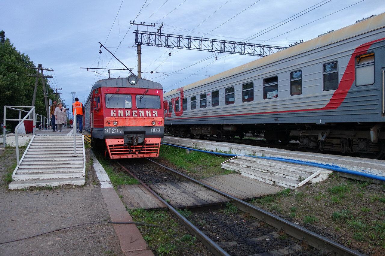 ЭТ2ЭМ-003 на станции Кузнечное