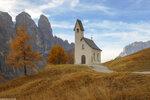 Осень 2016, Италия. Часовня на перевале Гардена (2136м.)