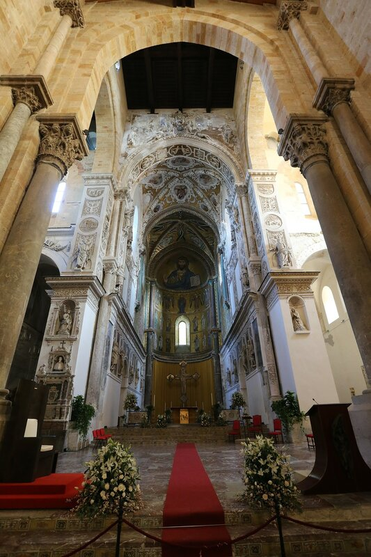 Cefalu. Cathedral. Interiors