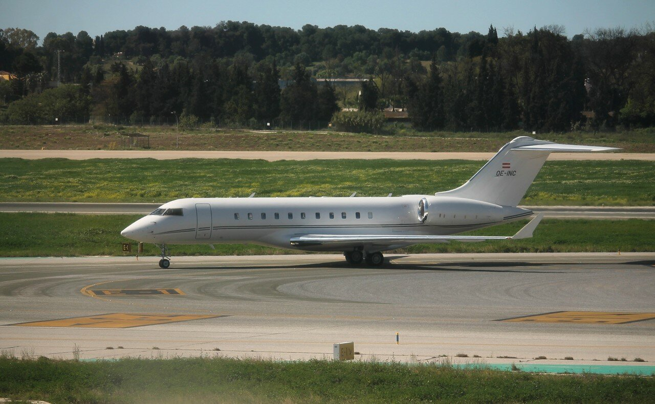 Airport Malaga-Costa del Sol. Global Jet Austria, Bombardier Global 5000 OE-INC