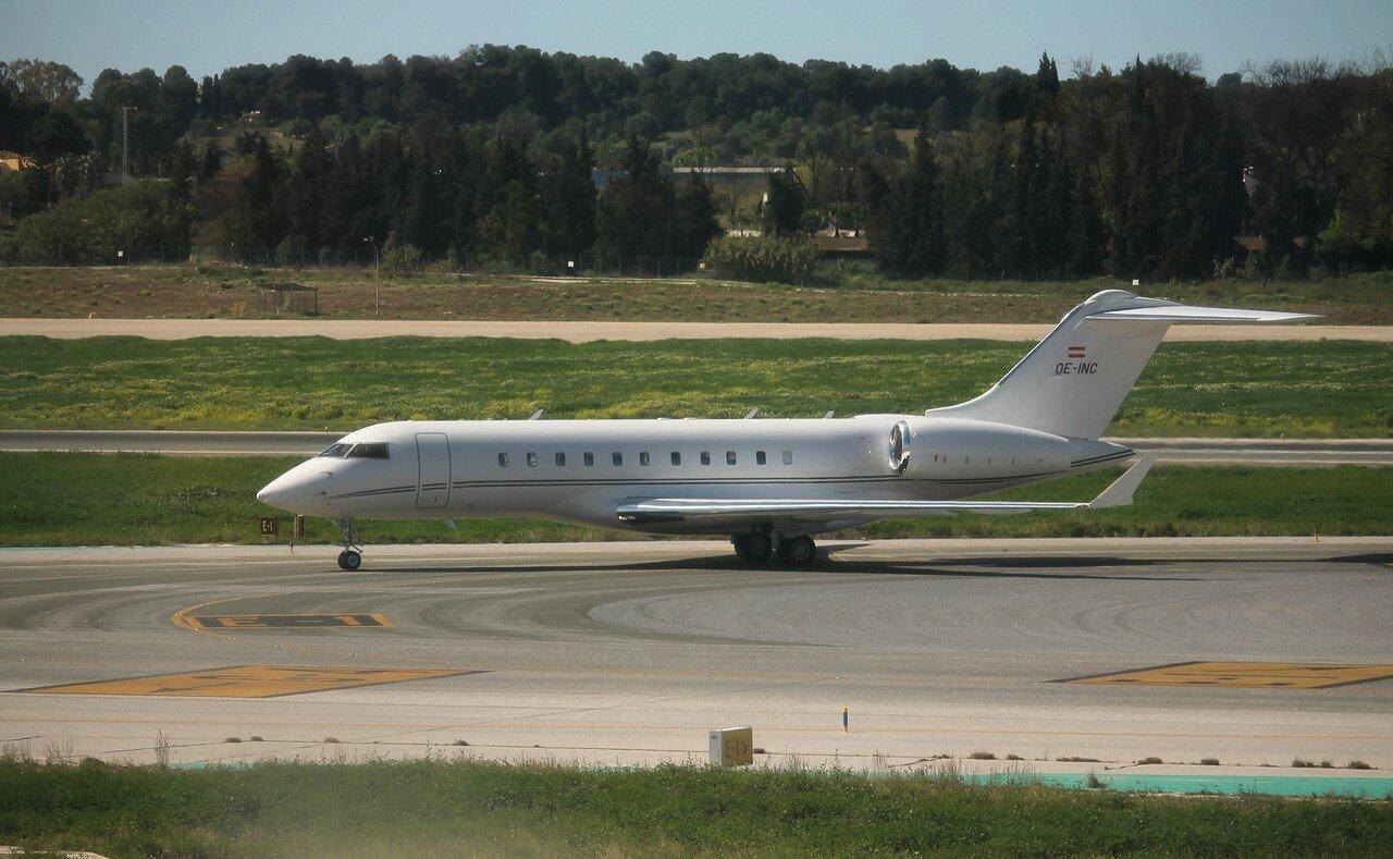 Аэропорт Малага-Коста-дель-Соль. Global Jet Austria Bombardier Global 5000 OE-INC