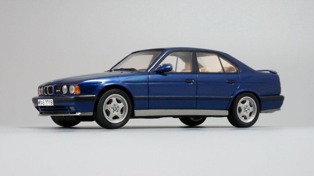 BMW_M5_E34_02.jpg
