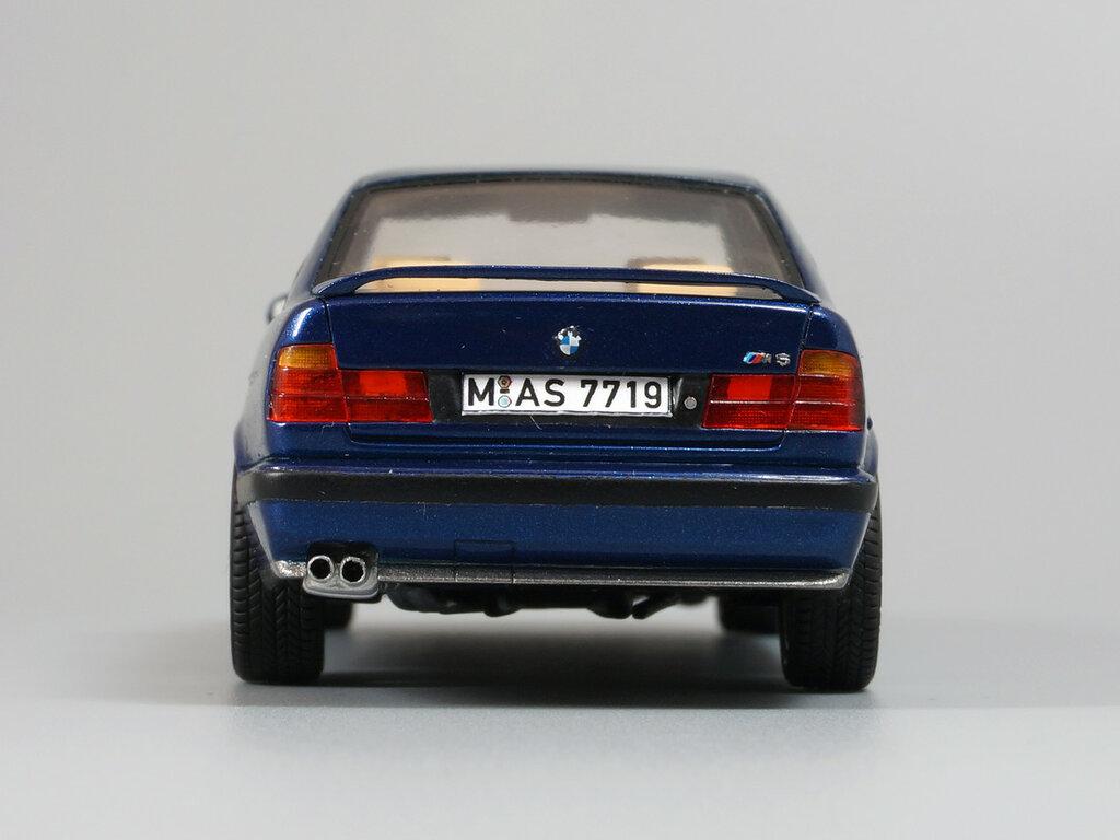 BMW_M5_E34_09.jpg
