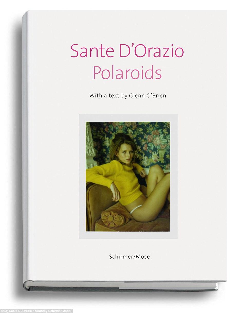 Книга с фотографиями Санте Д'Орацио и текстом Гленна О'Брайена содержит снимки, которые фотограф соб