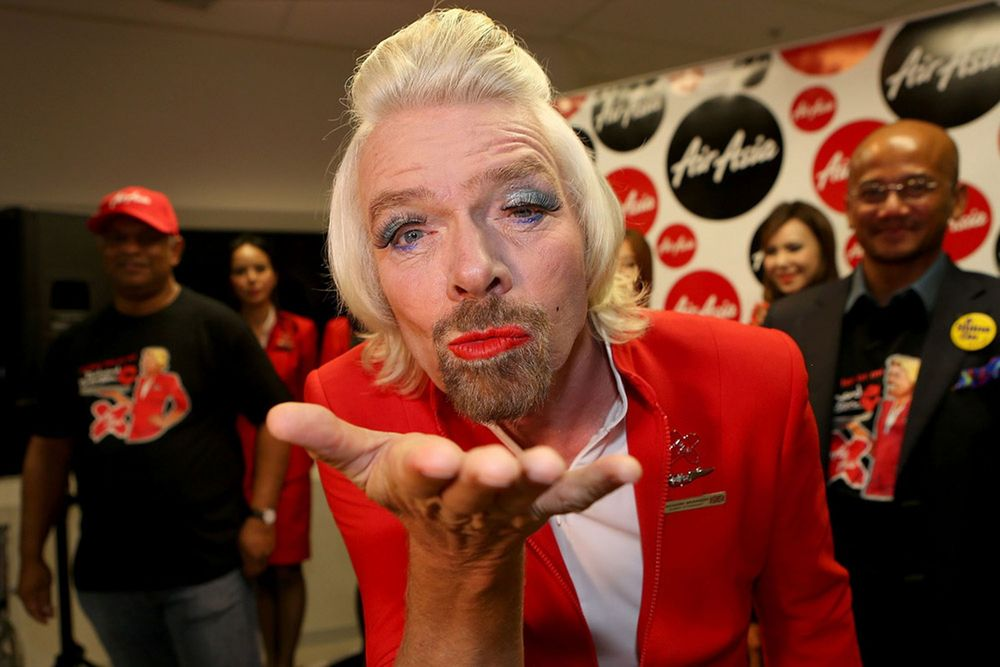7. Хиппи-миллиардер Ричард Брэнсон Сэр Ричард Брэнсон — основатель авиакомпании Virgin. За 10 лет ем