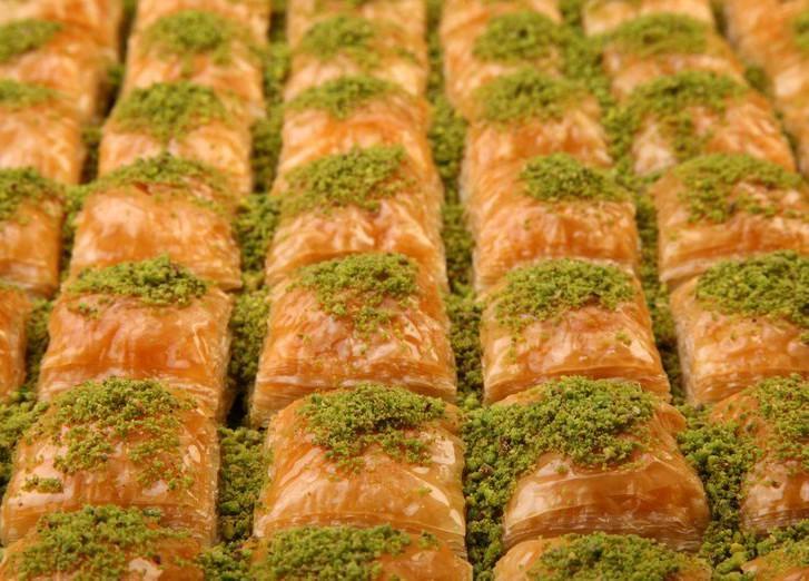 3. Пахлава (Турция) Этот, любимый многими десерт, ошибочно считается греческим, хотя впервые он появ