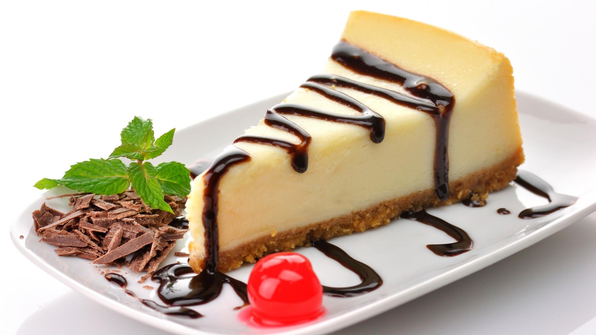 Чизкейк. Этот аппетитный десерт был создан в Америке. Сегодня данный десерт стал очень популярен во