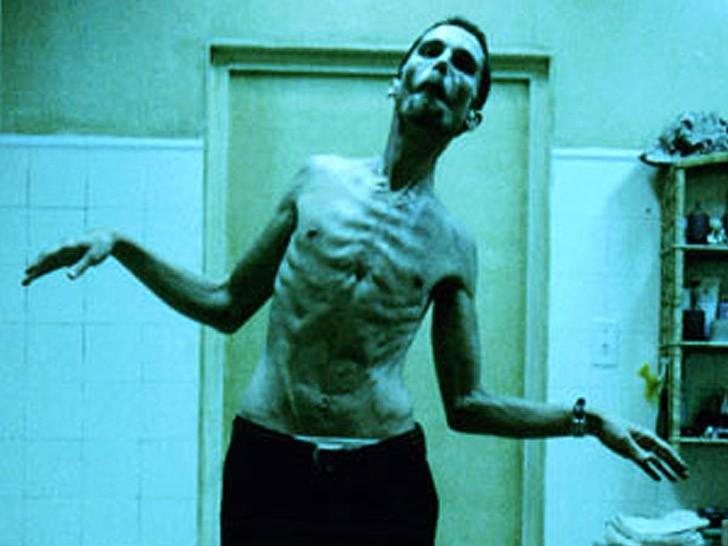 4. Машинист (2004) Для роли Тревора Резника в фильме «Машинист» Бейл сбросил 28,5 кг. Это одна из са
