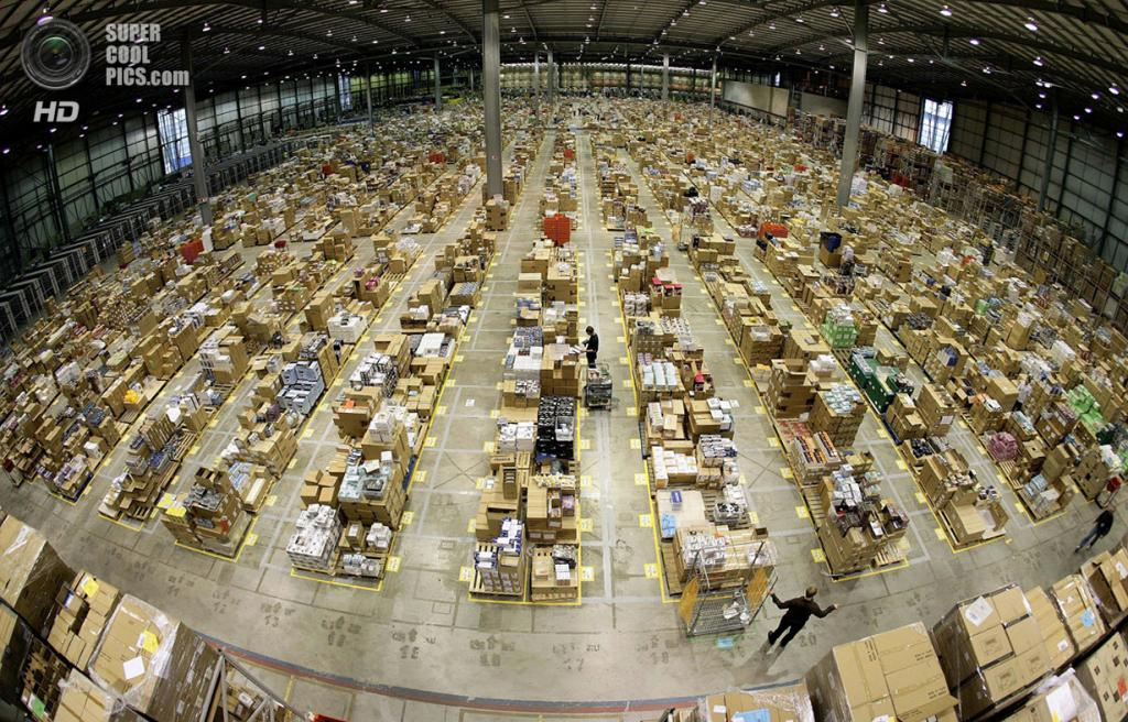 Внутри складов Amazon.com (14 фото)