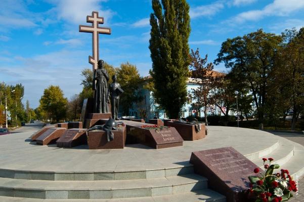 20170125_14-32-К 100-летию революции в Керчи установят Памятник Примирения