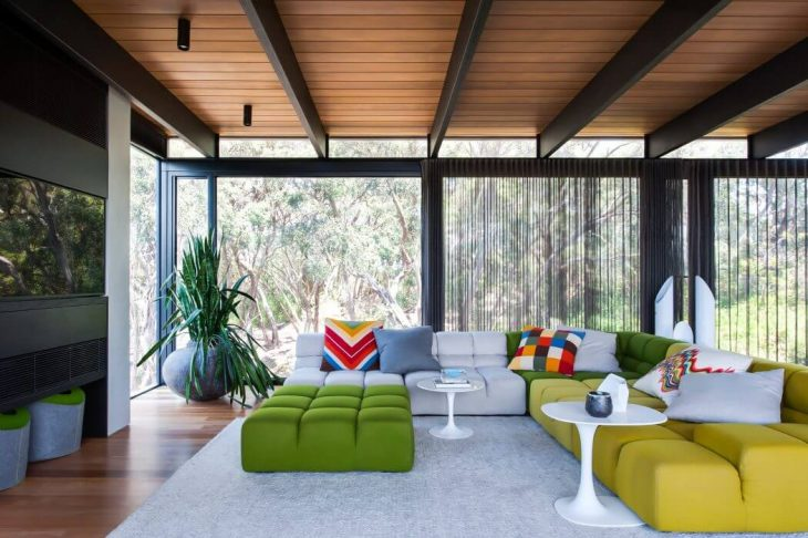 SJB Interiors designed this midcentury single family house situated in Melbourne, Australia, in 2016