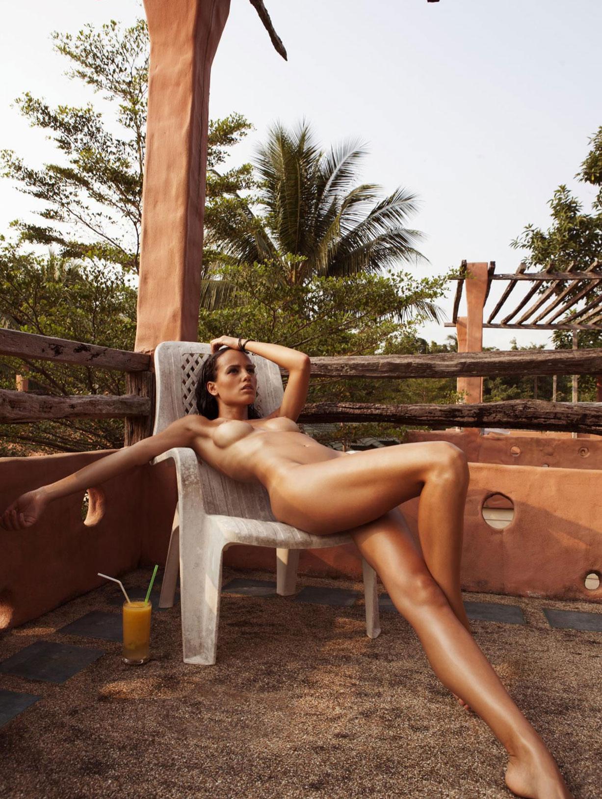 Девушка месяца Ирина Бондаренко / Iryna Bondarenko - Playboy Netheralnd / Poland / Ukraine